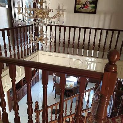 耐用实木楼梯