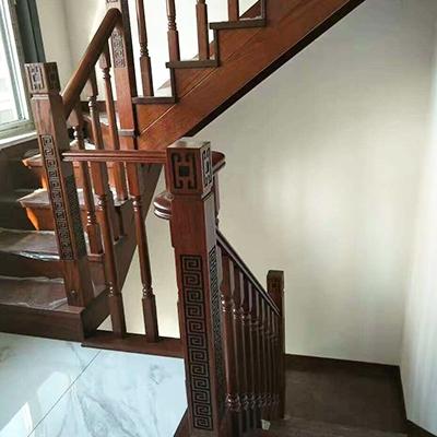 全实木楼梯