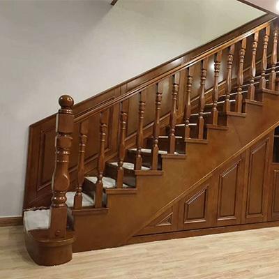 高端实木楼梯