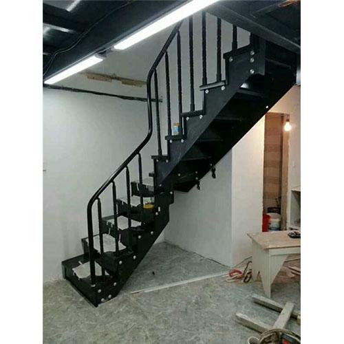 室内双梁楼梯