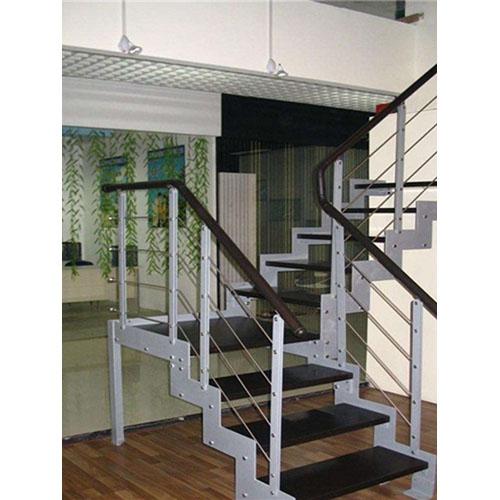 双梁式楼梯